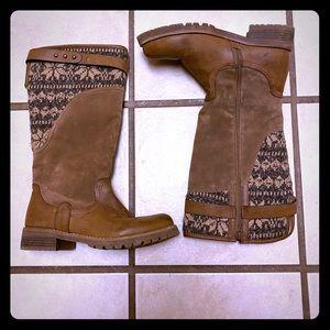 Muk Luk boots size 10